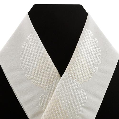 衿秀謹製の刺繍半衿